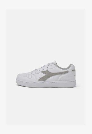 PLAYGROUND WN  - Trainers - white/alluminium