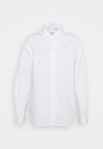 JUNIPER LOOSE LONG - Button-down blouse - bright white