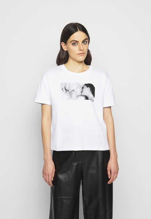 THE BOXY TEE - T-shirt med print - white