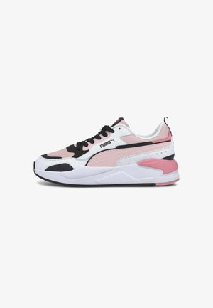 Trainers - peachskin- wht-blk-sal rose