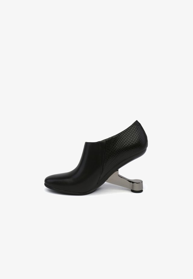 EAMZ WRAP - High heeled ankle boots - black