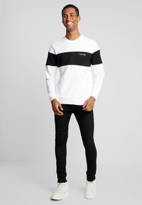 Calvin Klein - LOGO - Sweatshirt - white - 1