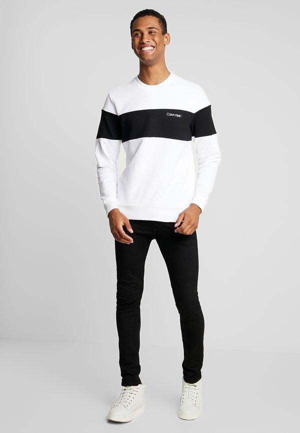 Calvin Klein LOGO - Bluza - white/biały Odzież Męska UKYN