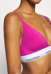 Calvin Klein Underwear - MODERN LINED - Triangel-BH - bright magenta - 4