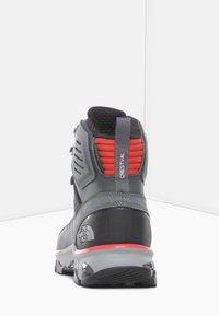 The North Face - M CRESTVALE FUTURELIGHT - Hiking shoes - zinc grey/tnf black - 3