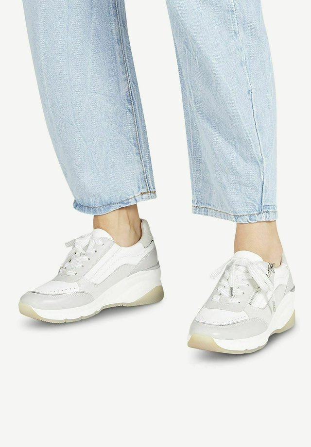 LACE UP - Sneakers laag - lt.grey comb
