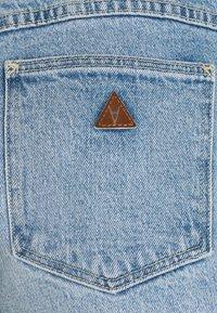 Abrand Jeans - A VENICE - Denim shorts - april - 5