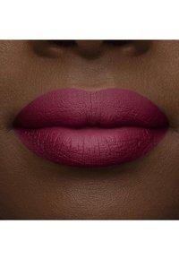 Too Faced - MELTED MATTE LIQUIFIED MATTE LONG WEAR LIPSTICK - Flüssiger Lippenstift - bend & snap! - 4