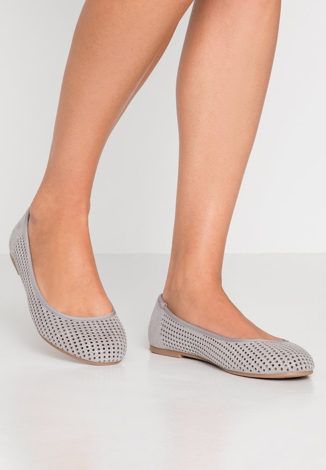 WIDE FIT RITA - Ballet pumps - grey