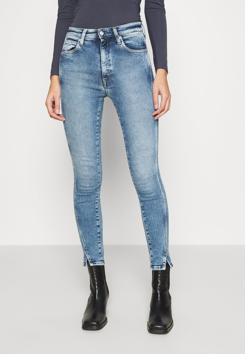 Calvin Klein Jeans - HIGH RISE SKINNY ANKLE - Jeans Skinny Fit - blue twist hem