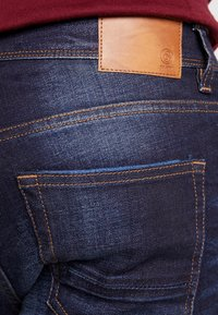 Burton Menswear London - RINSE TRIM - Slim fit jeans - dark blue - 5