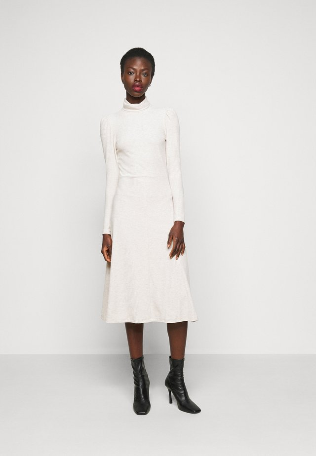 ONLNELLA ROLL NECK DRESS - Vestido de punto - pumice stone/melange