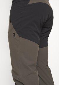 Peak Performance - LIGHT CARBON PANTS - Outdoor trousers - black/olive - 5