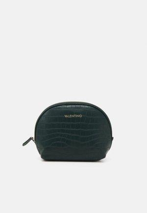 JUNIPER - Wash bag - foresta/grigio