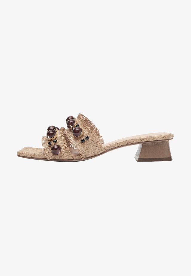 MIT SCHMUCKSTEINEN 15608580 - Pantoffels - beige