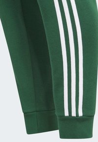 adidas Originals - Joggebukse - green - 4