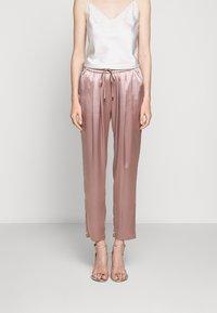 Allen Schwartz - KENLEY PANT - Trousers - mink - 0