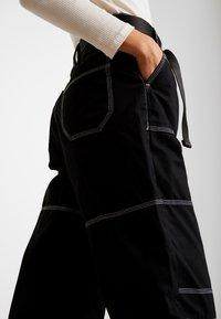 Topshop - CONTRAST GILDA UTILITY - Kalhoty - black - 4
