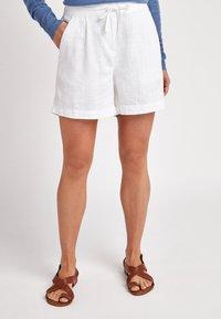Next - Shorts - off-white - 0