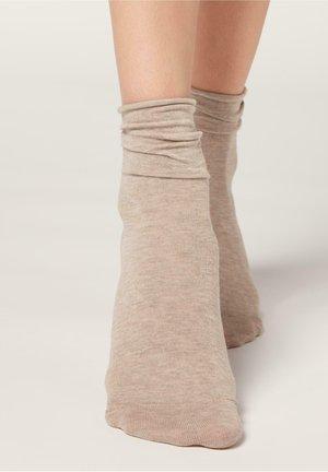 Socks - mandorla