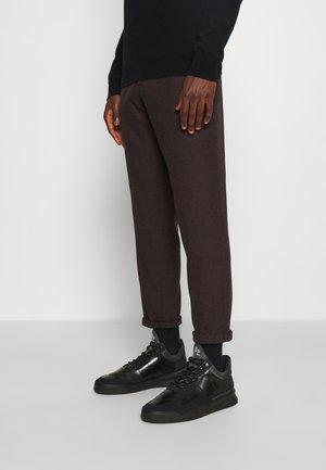LOW TOP GHOST RADAR - Matalavartiset tennarit - all black