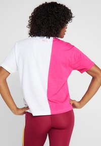 Fila - TEE - T-shirt con stampa - beetroot purple/bright white - 2