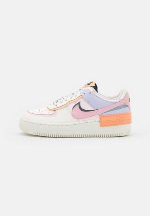 AIR FORCE 1 SHADOW - Sneakersy niskie - sail/pink glaze/orange chalk/dark obsidian/light soft pink/barely green