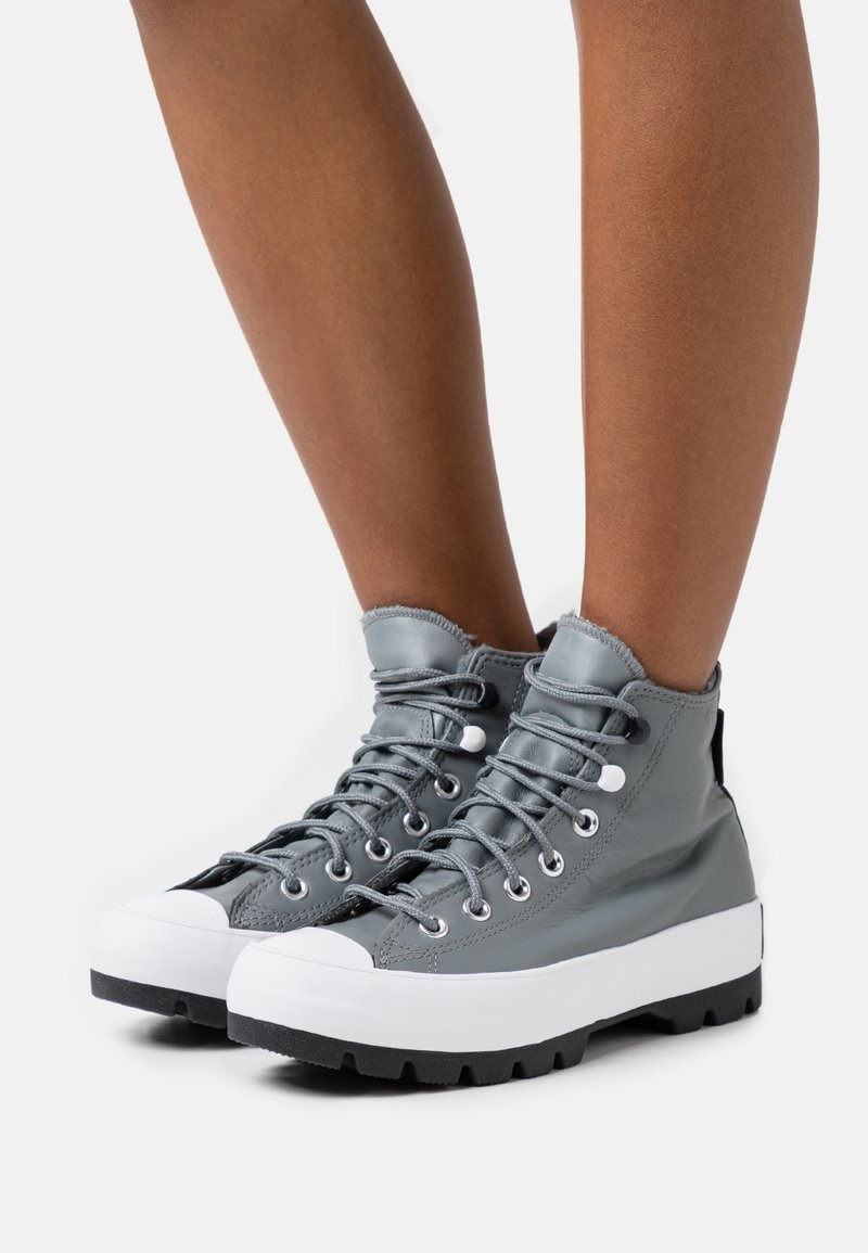 Converse - CHUCK TAYLOR ALL STAR MC LUGGED - High-top trainers - limestone grey/black/white