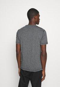 Calvin Klein - MOULINE  - Jednoduché triko - black - 2