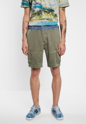 PANT_TECLO - Shorts - green