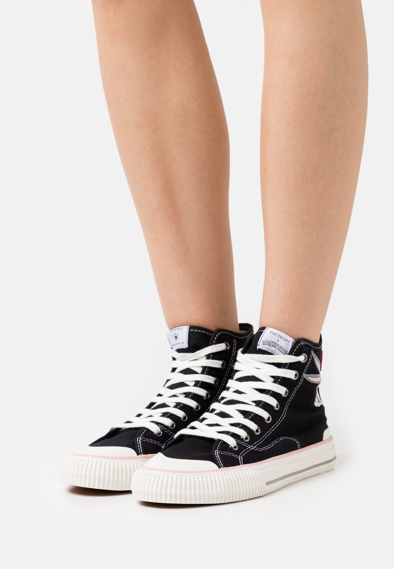 MOA - Master of Arts - EXCLUSIVE COLLECTOR LOONEY - Sneakers alte - black