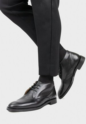 Zapatos con cordones - noir