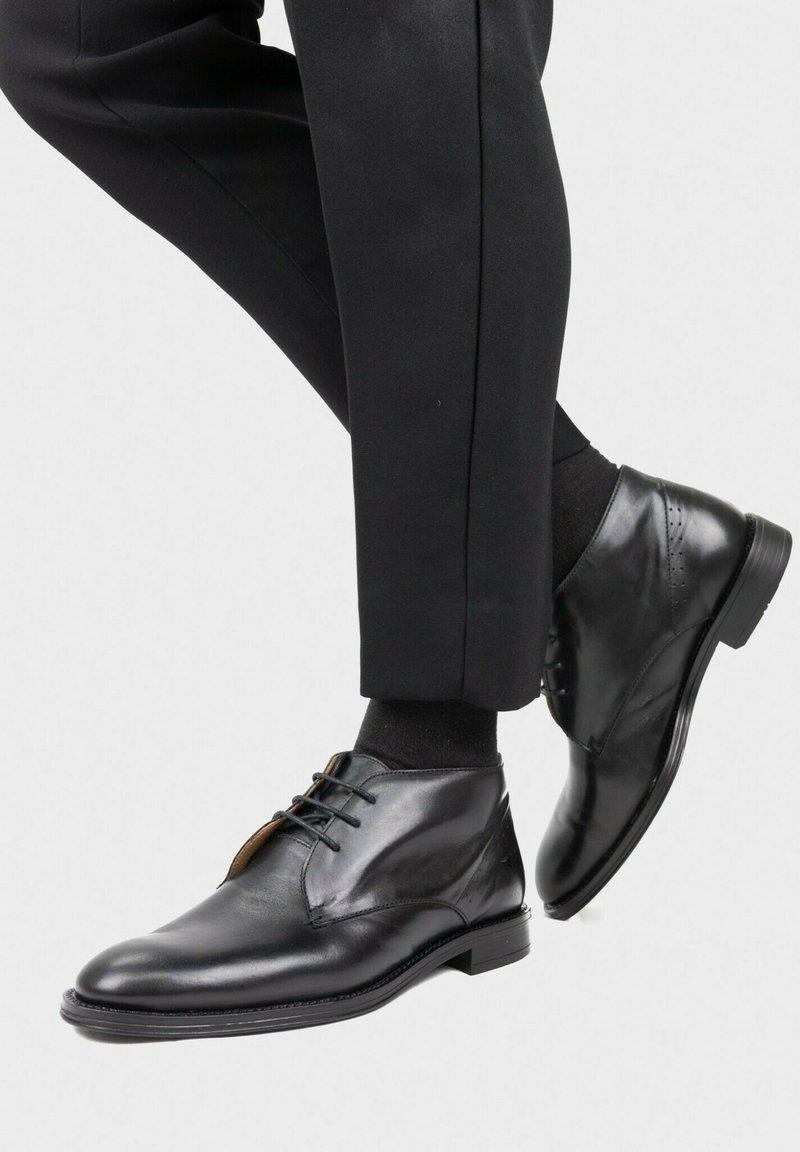 Son Castellanisimos - Zapatos con cordones - noir
