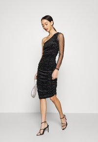 Missguided - COSTELLO ONE SHOULDER GLITTER BODYCON DRESS - Cocktail dress / Party dress - black - 1