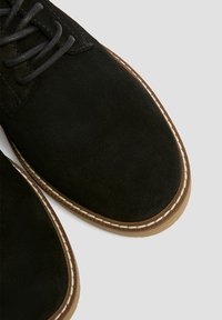 PULL&BEAR - Trainers - black - 3