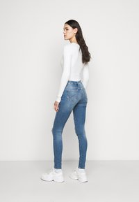 ONLY Tall - ONLCARMEN LIFE TALL - Jeans Skinny Fit - medium blue denim - 2
