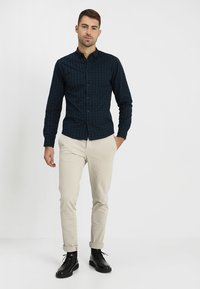 Selected Homme - SLHSKINNY LUCA  - Chinos - silver lining - 1
