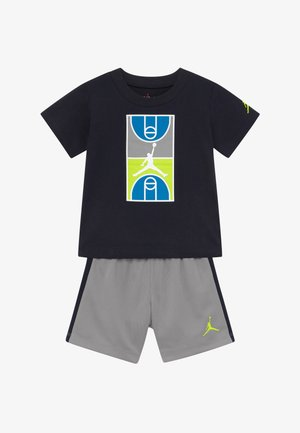 COURT GRAPHIC TEE SET - Pantalón corto de deporte - atmosphere grey