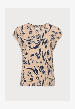 VMAVA PLAIN PETITE - Print T-shirt - beige