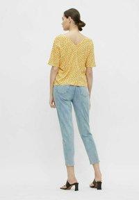 Object - MIT KURZEN ÄRMELN PRINT - T-shirt print - yellow - 2