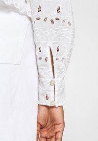 River Island - DENVER CROPPED SHACKET - Button-down blouse - white - 4