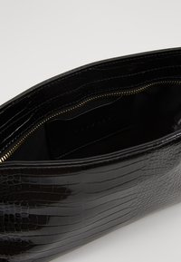 Topshop - SPIN SNAKE SHOULDER - Handbag - black - 4