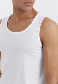 Solid - 2PACK - Top - white - 3
