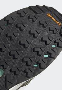 adidas Performance - TERREX  FREE HIKER PRIMEBLUE - Trekingové boty - hi-res yellow/crystal white/core black - 9