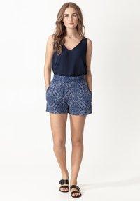 Indiska - ABBIE - Shorts - blue - 0