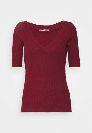 T-shirt con stampa - dark red