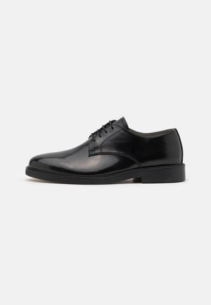TYGER DERBY - Derbies - black