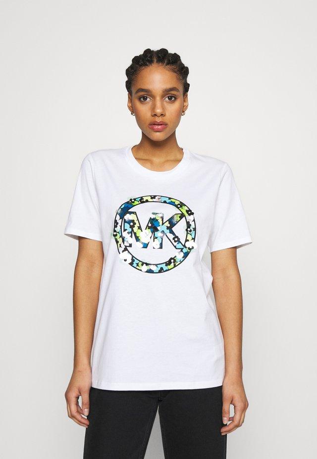 CLUSTERS LOGO TEE - T-shirt imprimé - white