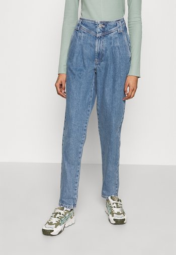SEAMED MOM - Relaxed fit jeans - mid blue