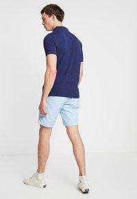 Tommy Hilfiger - BROOKLYN LIGHT BELT - Shorts - blue - 2